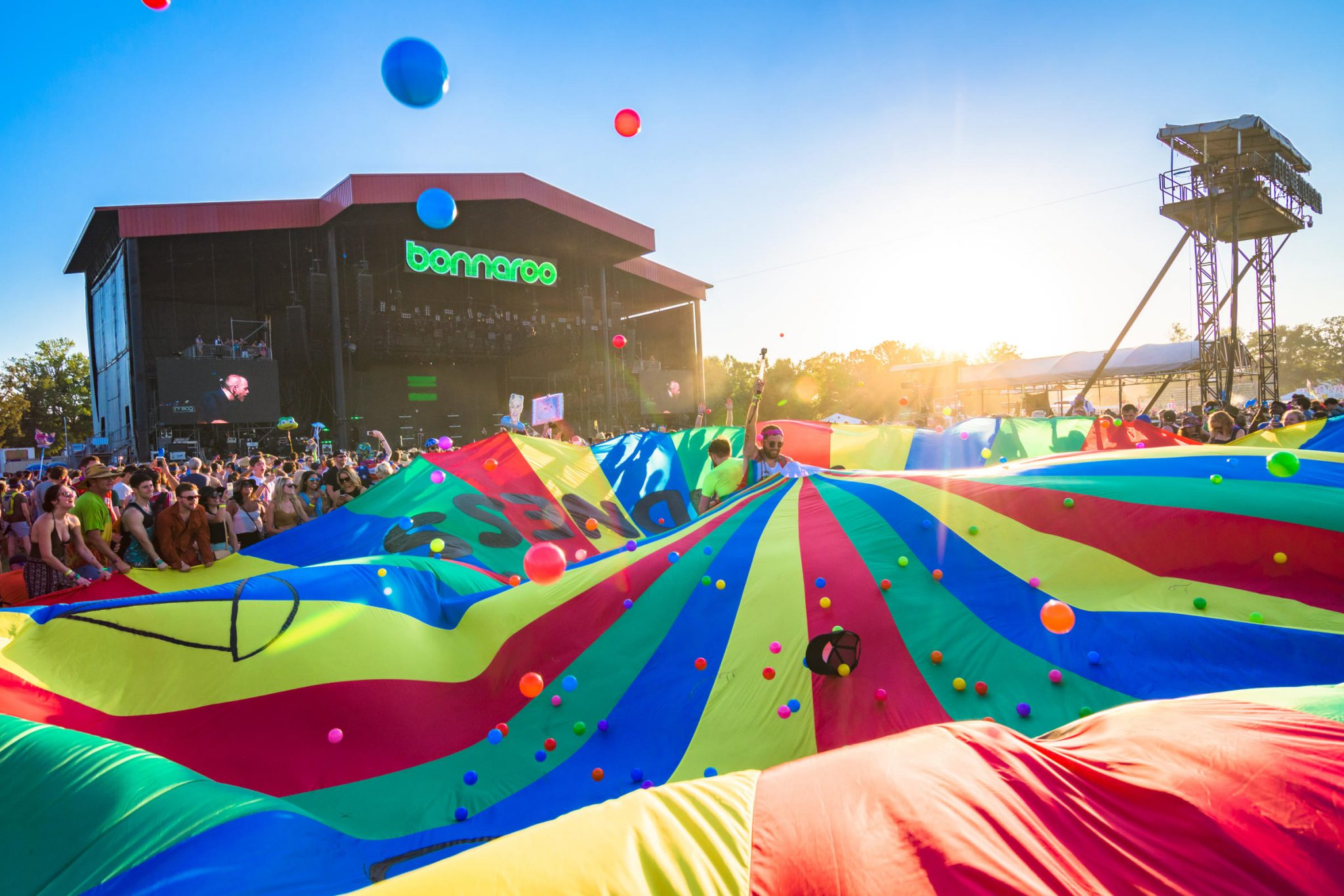 creating an epic fan experience at summer music festivals